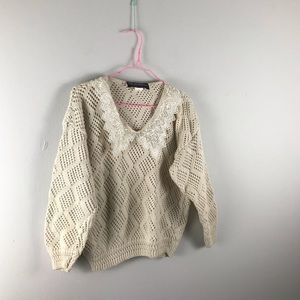Vintage   lace collar cropped sweater